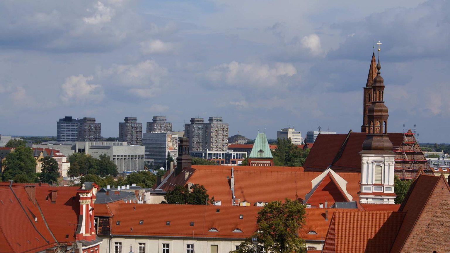 Panorama Wrocławia i widok na dachy kamienic